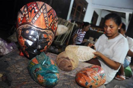Kerajinan Batik Kayu Krebet Jogja Tembus Pasar Mancanegara