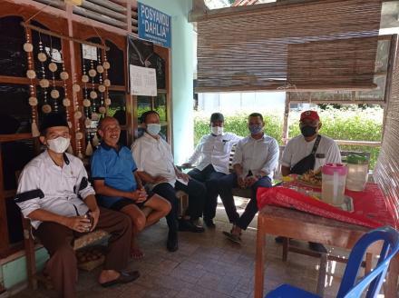 Pamong Kalurahan Sendangsari Sambangi Mantan Dukuh Kabrokan Kulon