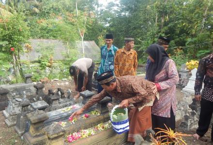 ziaroh dalam rangka Hut Desa Sendangsari ke 71